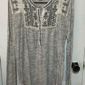 Lucky Brand gray blouse
